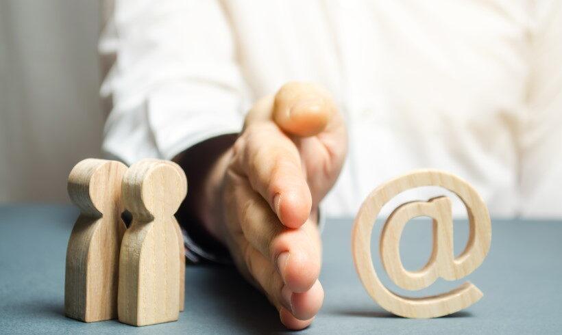 Зголемување на цензурата, но и сензурата на Интернетот и социјалните мрежи